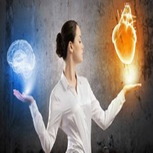 Relația Fericită – Echilibru între Inimă și Minte